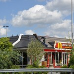 Travailler avec Renotec sur le toit de McDonald's